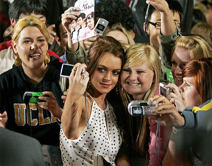 How Celebrities Use Social Media to Build Their Brand | RRPP | Scoop.it