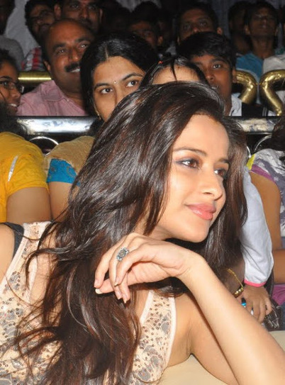 Madhurima in Jeans Pictures ~ Actress Pictures | 2014 Hot Actresses | Scoop.it