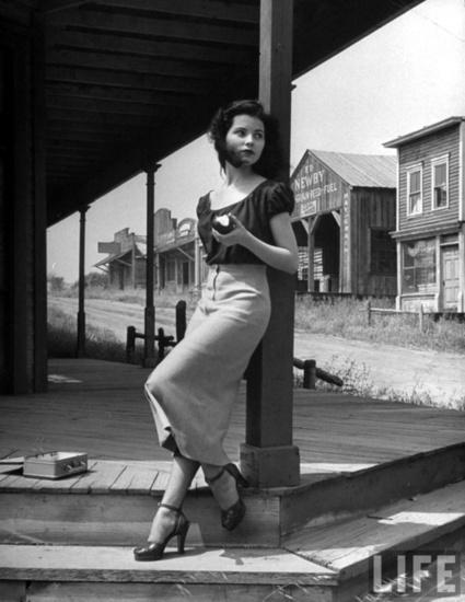 fashionistic.... - Debra Paget, 1950s. | 1950's | Scoop.it