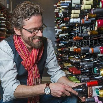 Racines' Sommelier Arnaud Tronche on French Wine for Bastille Day | Vitabella Wine Daily Gossip | Scoop.it
