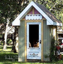 """Shabby garden shed using """"bits and pieces"""" 