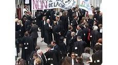 La peine sans la prison. À propos de : Xavier De Larminat, Hors les murs. L'exécution des peines en milieu ouvert, Puf | Résistances | Scoop.it