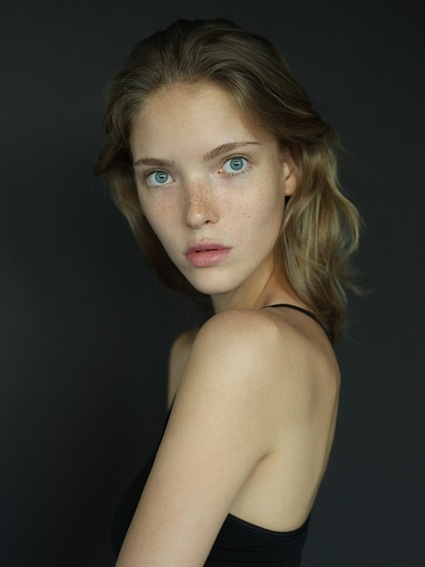 [just a walk in London...] Anastasia Kolganova: from Premier Model Management to Next Model Management | CHICS & FASHION | Scoop.it
