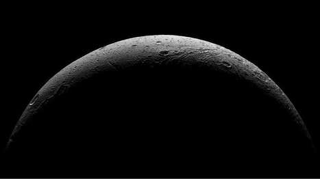 Stunning images document Saturnian moon Dione during final Cassini flyby | Anthony Wood | GizMag.com | Digital Media Literacy + Cyber Arts + Performance Centers Connected to Fiber Networks | Scoop.it