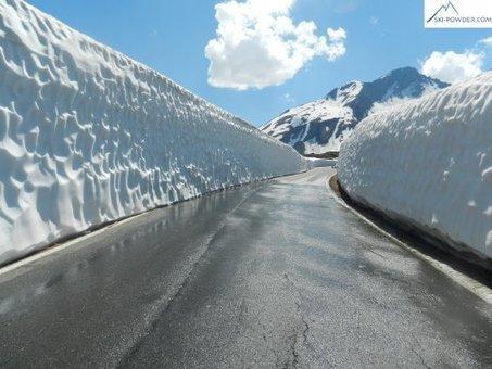 Le 16 juin 2013 Décor de rêve au Col du Petit Saint-Bernard | Galibier: le déneigement n'a jamais été aussi difficile depuis 30 a,s | Scoop.it