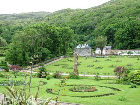 The Walled Victorian Garden at Kylemore Abbey, Ireland | Gardening with Heirloom Plants | Scoop.it