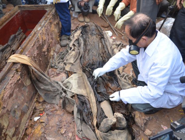 Ancient tomb excavated in Hanoi   VietNamNet   Asie   Scoop.it