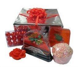 Coffret Cadeau Red Christmas - L'Accro du Bain | L'Accro du Bain boutique de produits pour le bain et savons gourmands:boule de bain, savons de Marseille,savon artisanal,cupcake de bain, savons cupcakes | Scoop.it