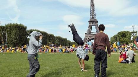 Près de 70.000 personnes à Paris pour la journée des oubliés des vacances | Tourisme social | Scoop.it