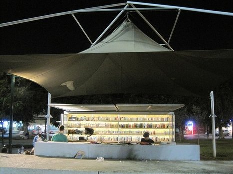 Open a book in the open air: 8 outdoor libraries and bookstores   TechLib   Scoop.it