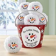 Snowball Fight In A Bucket - Christmas Gifts | Christmas Gifts For Every Occasion | Scoop.it