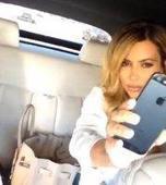 Vuelve Kim Kardashian  de rubia. Posts Blond Hair Selfie In Car With Family. | Kim Kardashian | Scoop.it