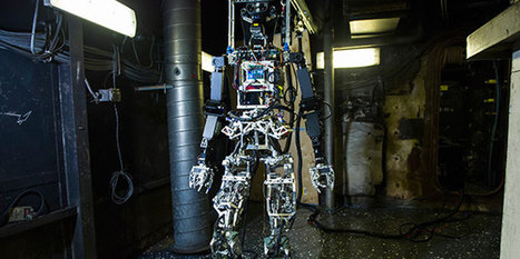 Robot that can Fight with Fire and extinguish it – US Navy's Firefighting Robot is on Board | TECH NEWS, MOBILE APPS - GAMES, Virtual Reality, Unity3D | Scoop.it
