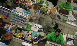 UK inflation is negative again, but what does this mean for consumers? | National & International Economy - F582 | Scoop.it