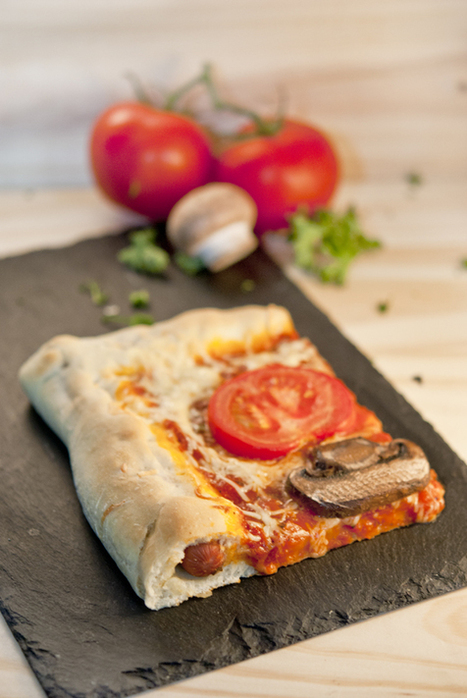 Recette de Pâte à pizza fourrée aux saucisses façon hot-dog | StellA ... | Recettes de pizzas | Scoop.it