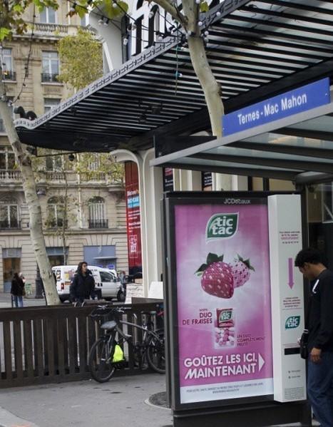 Des showcases-abribus transformés en distributeurs interactifs de Tic Tac | Sensory Marketing | Scoop.it