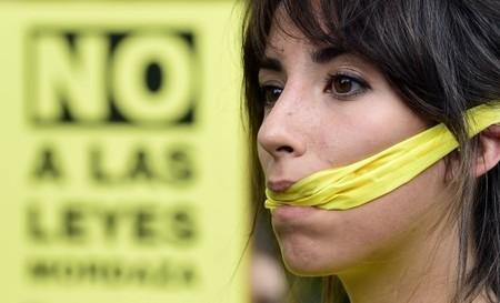En Espagne, 800 € d'amende pour une photo de policiers garés sur une place pour personnes handicapées | Libertés Numériques | Scoop.it
