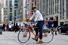 Clothes for biking to work without arriving drenched in sweat—or clad in Lycra | Real World Cycling | Scoop.it