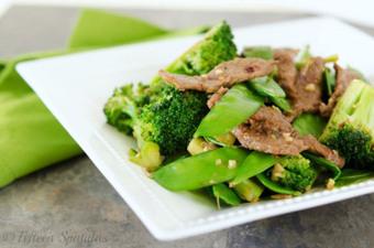 Beef, Broccoli & Snow Pea Stir Fry | À Catanada na Cozinha Magazine | Scoop.it