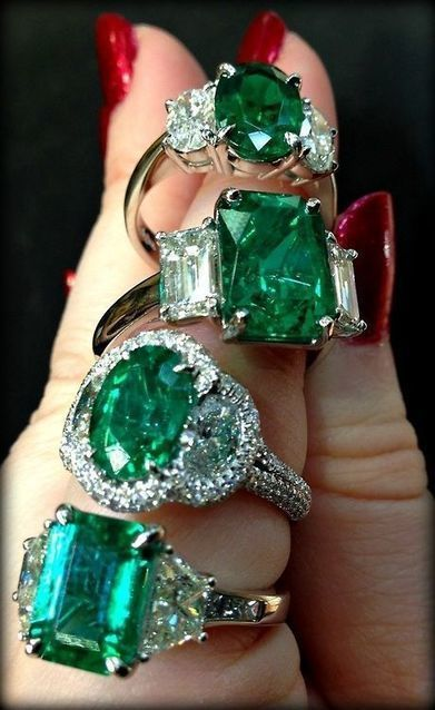 Emerald and diamond rings   FanPhobia - Celebrities Database   Tattos and Jewelry   Scoop.it