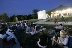 Ms. Cheap: Weekend filled with free outdoor movies, concerts, more | Tennessee Libraries | Scoop.it