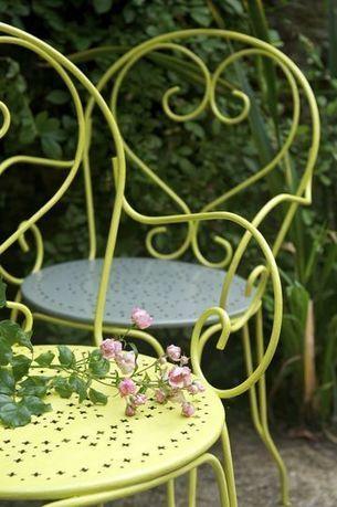 Repeindre un salon de jardin en fer : c'est facile   au quotidien   Scoop.it