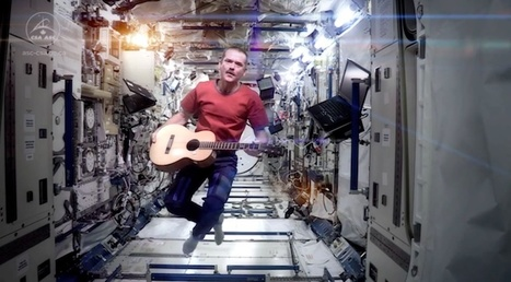 Space Oddity: Commander Chris Hadfield covers David Bowie in space | Biosciencia News | Scoop.it