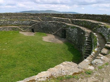 "IRLANDE : Ancient Irish Fort Damaged by ""Thugs"" 