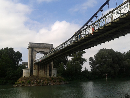 A la pêche aux sons sous un pont du Gard | DESARTSONNANTS - CRÉATION SONORE ET ENVIRONNEMENT - ENVIRONMENTAL SOUND ART - PAYSAGES ET ECOLOGIE SONORE | Scoop.it