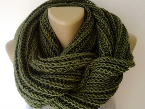 green men scarf , knitted women scarf, infinity winter scarf, scarves , Christmas gifts | Winter Fashions | Scoop.it