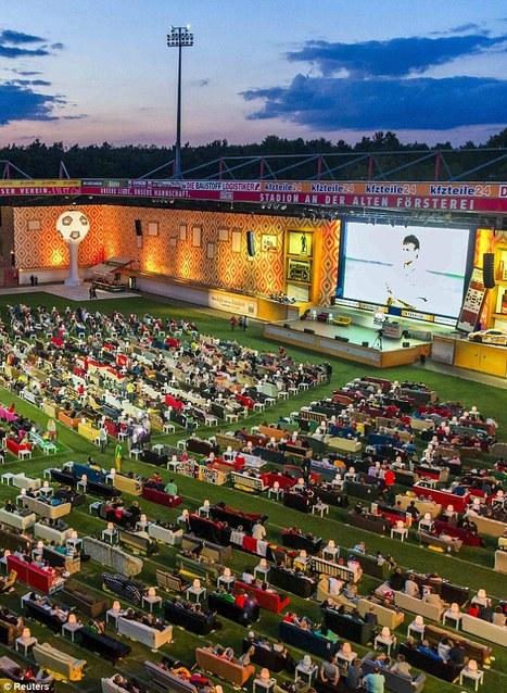 Torcedores levam sofás para estádio na Alemanha | PR WW | Scoop.it