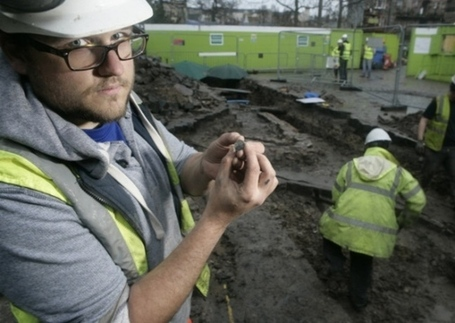 Workmen find Georgian artefacts at old hospital - Top stories - Scotsman.com | Archaeology News | Scoop.it