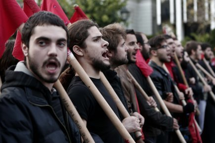 Les Grecs commémorent la révolte étudiante de 1973 contre la dictature | Europe | L'enseignement dans tous ses états. | Scoop.it