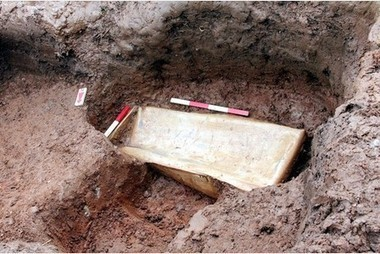 PICTURES: Ancient Roman lead coffin dug up in field - Tamworth Herald | Roman History | Scoop.it