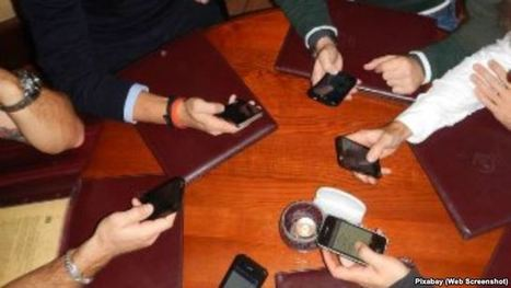 Cell Phone Use Among Friends? How Rude! | News for IELTS + Class Discussion | Scoop.it