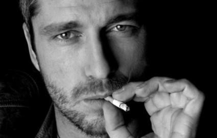 Frolicsome Smoke (menandcigarettes: Yup, that's Gerard Butler) | I love cigarettes | Scoop.it