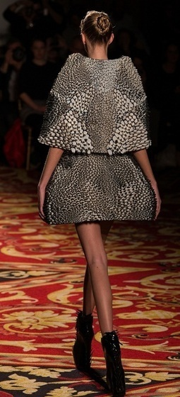 Wearable Stratasys and Materialise 3D Printed Pieces Hit Paris Fashion Week at Iris van Herpen Show | Digital Design and Manufacturing | Scoop.it