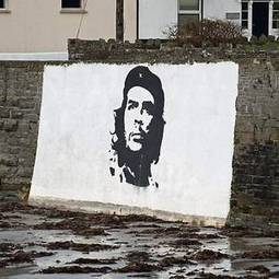 Iconic Che Guevara mural in Co Clare removed after 'upsetting' American tourists - Irish Independent | Ernesto Guevara | Scoop.it