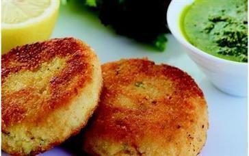 Soslu Balık Köftesi Tarifi |Pratik yemek tarifleri, resimli pratik yemek tarifleri ,oktay usta, kolay yemek tarifleri | Yemektarifleri | Scoop.it