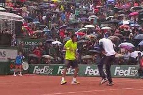 Watch: This crazy dance battle between Monfils and Lokoli at Roland Garros ... - IBNLive   Tennis 2014   Scoop.it