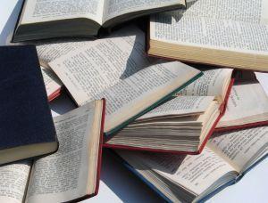 Adopta o carte. | Adoptă o carte | Scoop.it