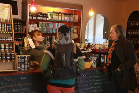 Au coin d'la rue : le café squatté qui a redonné de la fierté à un quartier | Economie Responsable et Consommation Collaborative | Scoop.it