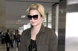 http://www.celebrityballa.com/2013/07/101690/demi-lovato-heartbroken-over-cory-monteiths-death | News Daily About Movie Balla | Scoop.it