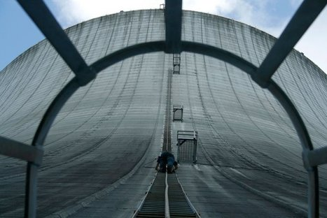 Picture of the Day: Climbing the Cooling Tower | Modern Ruins | Scoop.it