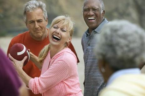 Le lien social, la clé du moral des séniors | Seniors | Scoop.it