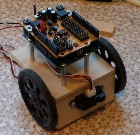 SUPER SIMPLE BEGINNERS ROBOT | Physical Computing | Scoop.it