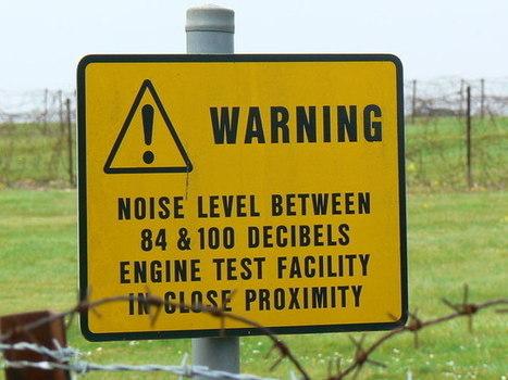 Sign on fence- RAF- Lyneham   DESARTSONNANTS - CRÉATION SONORE ET ENVIRONNEMENT - ENVIRONMENTAL SOUND ART - PAYSAGES ET ECOLOGIE SONORE   Scoop.it