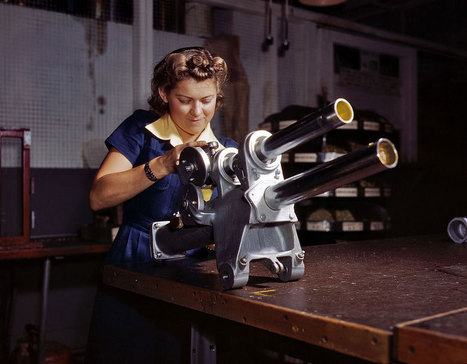 Color Photos of Women Working During WWII | World at War | Scoop.it