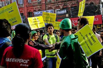 Sabzi heroes in Kolkata to save vegetables - indiablooms | GMOs | Scoop.it