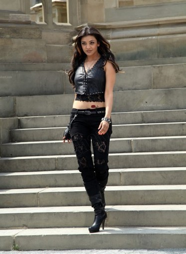 Kajal Agarwal in torn jeans and Black Leather jacket, Fashion Fiesta 2012 | Indian Fashion Updates | Scoop.it